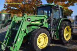 Tracteur agricole John Deere 6210