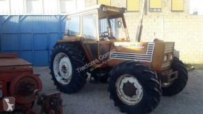 Tractor agrícola tractora antigua Fiat 90-90 DT