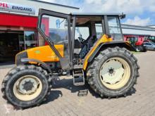 Tractor agrícola Renault usado