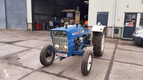 Tractor agrícola Ford 3000 usado
