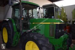 Trattore agricolo John Deere 6610 usato