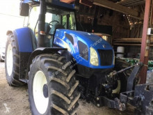 Traktor New Holland ojazdený
