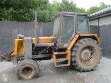 Trattore agricolo Renault usato