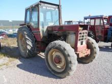 Tracteur agricole Case IH 1055