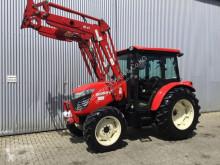 Zemědělský traktor Branson K78