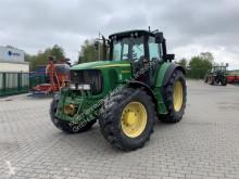 Zemědělský traktor John Deere 6920
