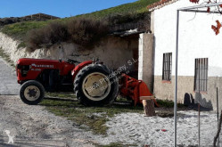 Eski traktör Barreiros R350-S