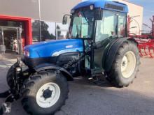 Селскостопански трактор New Holland
