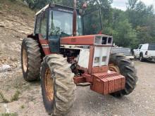 Tractor agrícola Case 1055 usado