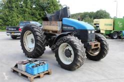 Tractor agrícola New Holland TS100 usado
