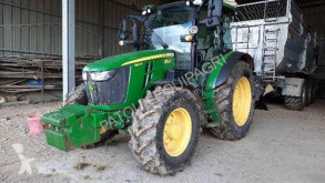 Tractor agrícola John Deere 5100R usado