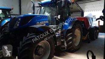Trattore agricolo New Holland T7.270 AC usato
