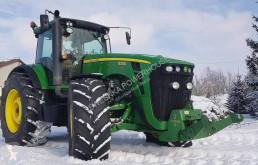 Tracteur agricole John Deere 8330
