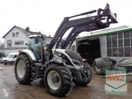 Tractor agrícola Valtra T174e a schlepper usado