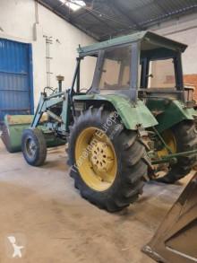 Ciągnik rolniczy John Deere 3140 używany