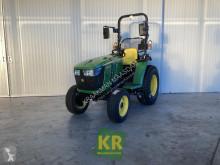 Bahçe traktörü John Deere 3025E