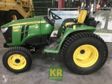 Bahçe traktörü John Deere 3038E