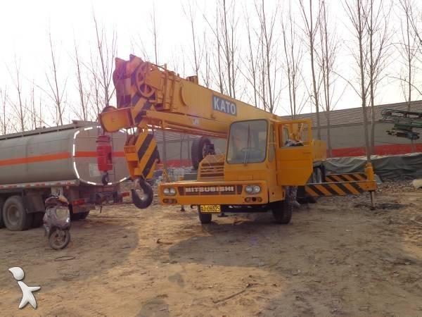 View images Kato NK300E crane