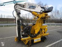 Kennis auxiliary crane