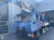 Camion nacelle AK 27/1000