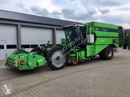 Mașină de recoltat rădăcinoase AVR Puma +