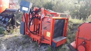 Material de ganadería Kuhn POLYCROCK PK1750 Distribución de forraje Desensiladora usado