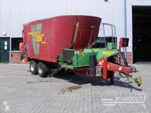 معدات تربية المواشي Strautmann توزيع الأعلاف خلاطة مستعمل