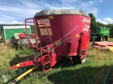 Stroj na odchov zvierat Dávkovanie krmiva Miešačka Trioliet