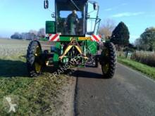 John Deere 5400 Bodenbearbeitungswerkzeuge