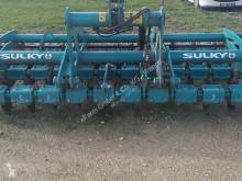 Aperos trabajos de suelo Sulky Aperos no accionados para trabajo del suelo Arado usado
