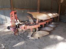 Aperos trabajos de suelo Aperos no accionados para trabajo del suelo Arado Grégoire-Besson