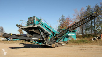 Powerscreen Chieftain 1400 used siever