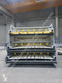 Puinbreker Constmach Vibrating Screen With Washing System On All Decks