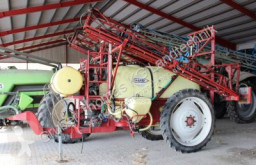 Hardi TZY 2400 spraying