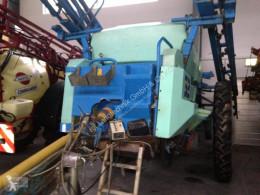 Berthoud 3200 Liter Pulverizador arrastrado usado