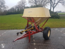 Vicon getrokken pendelstrooier seed drill used