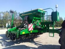 John Deere seed drill 750A 4M