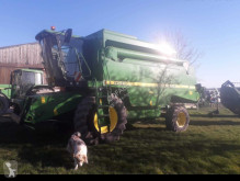 Moissonneuse-batteuse John Deere 2256