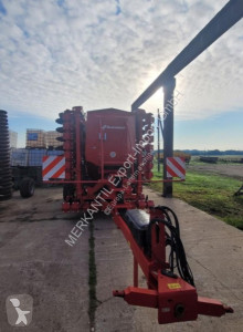 Semeador Kverneland u-drill 6000 usado