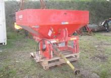 Esparcimiento Distribuidor de abono Kuhn MDS 735 M 1200 litres 18m