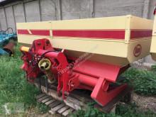 Esparcimiento Vicon Anbaudüngerstreuer ca. 2500 Liter Distribuidor de abono usado