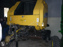 New Holland Round baler BR 750