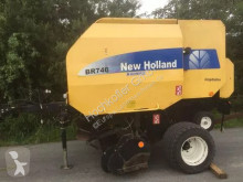 New Holland Round baler