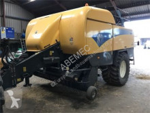 New Holland BB9070 RC haymaking
