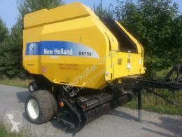Press med runda balar New Holland