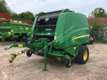 Press med runda balar John Deere 990R