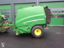 Press med runda balar John Deere 990
