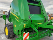 Press med runda balar John Deere V461M