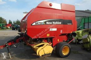Prasa rolująca ze zmienną komorą New Holland BR 750 Rotor Cutter