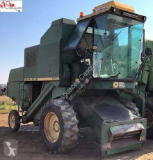 Moissonneuse-batteuse occasion John Deere 970